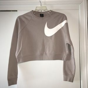 Nike Tops - Nike Cropped Sweatshirt Dri-Fit Versa MED